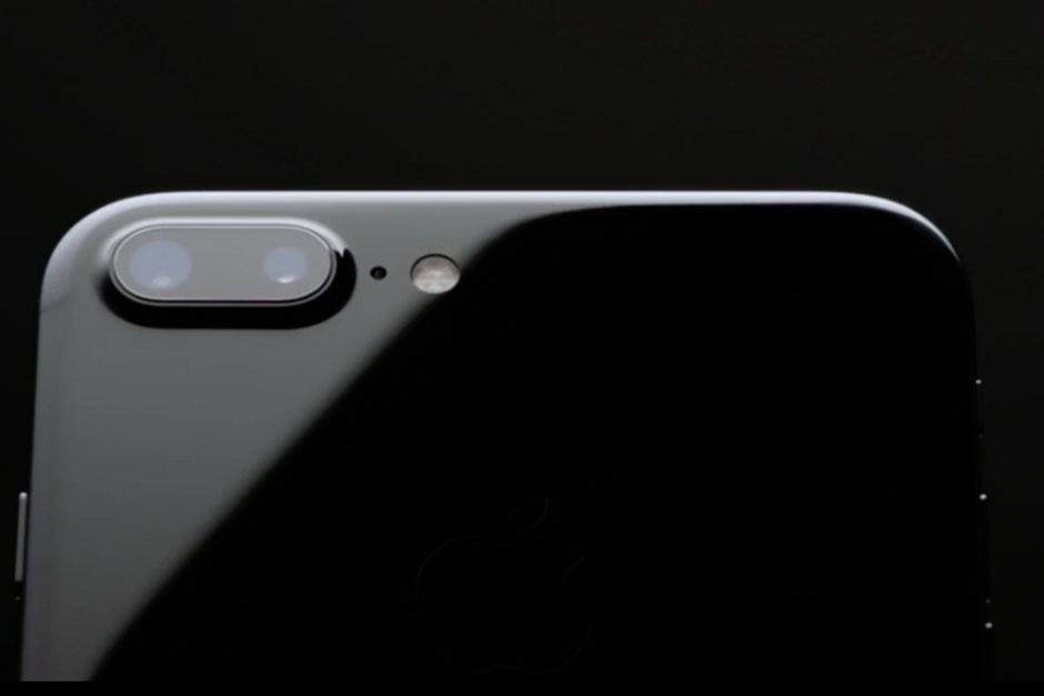 La cámara es una de las novedades más sofisticadas, pues cuenta con doble lente. (Foto: Apple)