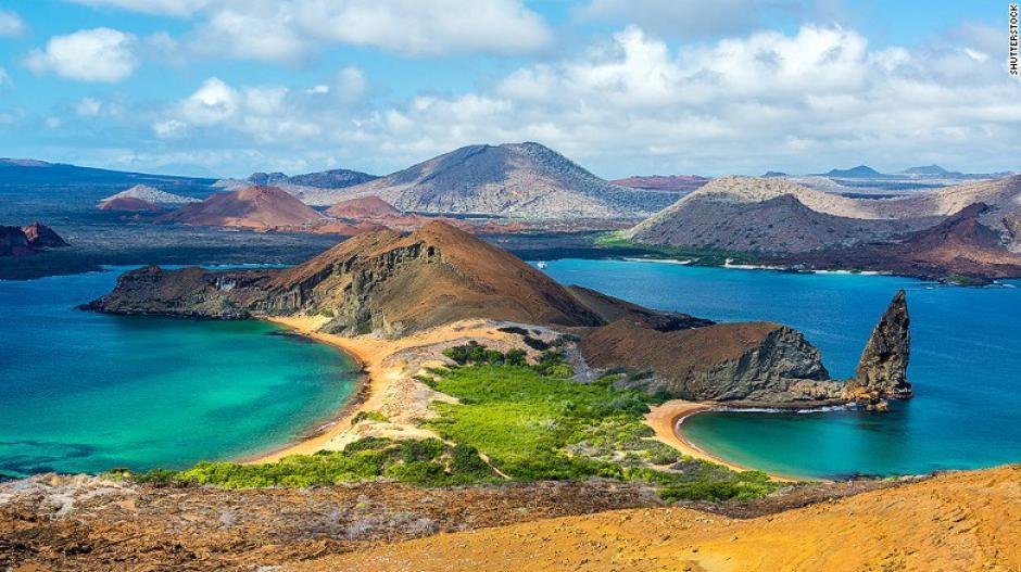 Las Islas Galápagos es una de las creaciones más hermosas del mundo. Atraen turistas deseosos de admirar su biodiversidad.