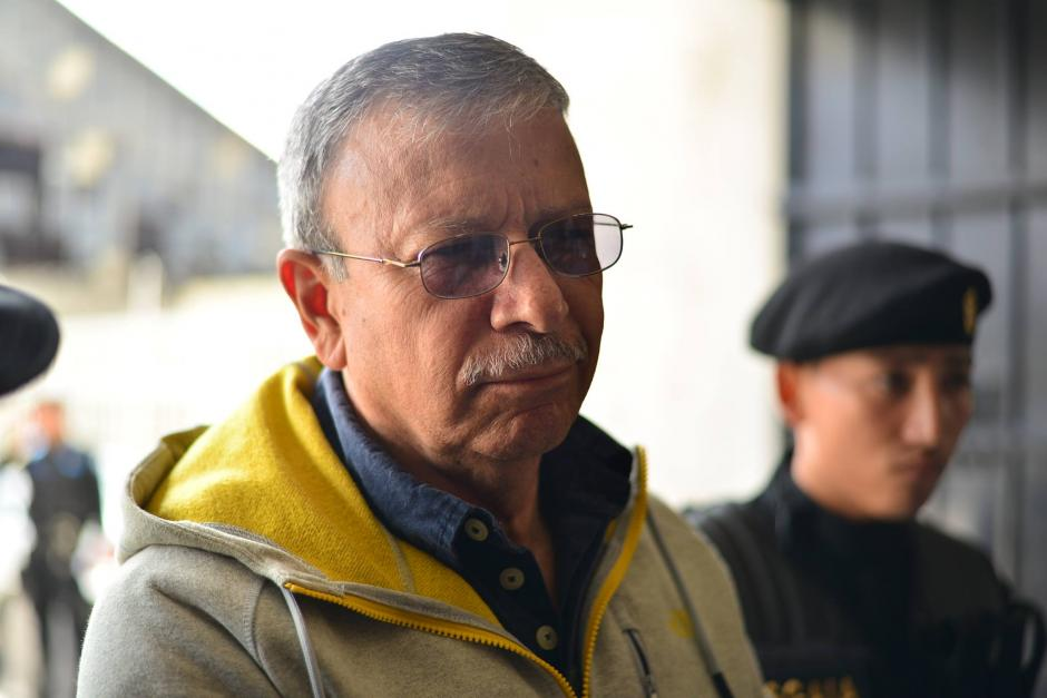 Ismael Segura Abularach, al momento de ingresar a la Torre de Tribunales. (Foto: Wilder López/Soy502)