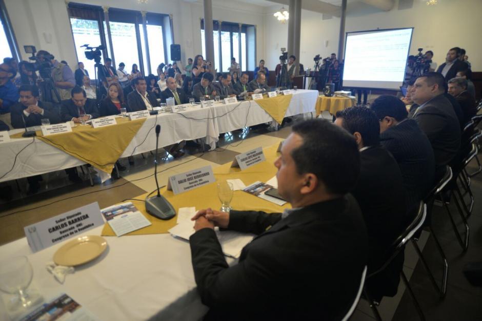 La reunión fue para socializar las reformas constitucionales que promueve la CICIG. (Foto: Wilder López/Soy502)