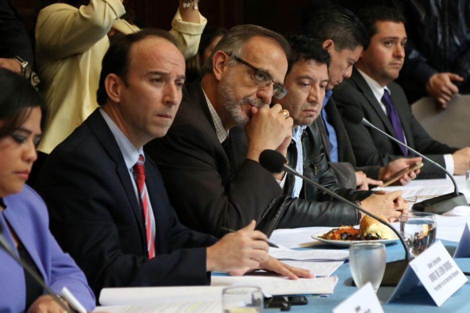 La Mesa Técnica de Reformas al Sector Justicia respondió los cuestionamientos de los diputados. (Foto: Alejandro Balán/Soy502)