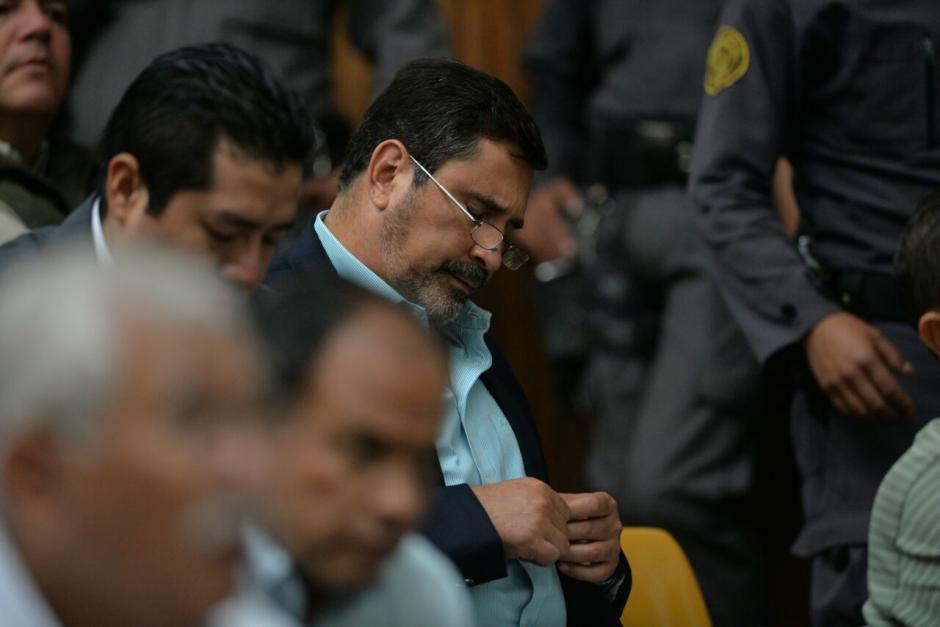 El exministro de Defensa, Ulises Anzueto escuchó las argumentaciones del juez Miguel Ángel Gálvez. (Foto: Wilder López/Soy502)