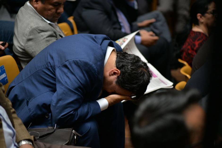 La larga jornada provocó que algunos de los sindicados mostraran su aburrimiento. (Foto: Wilder López/Soy502)