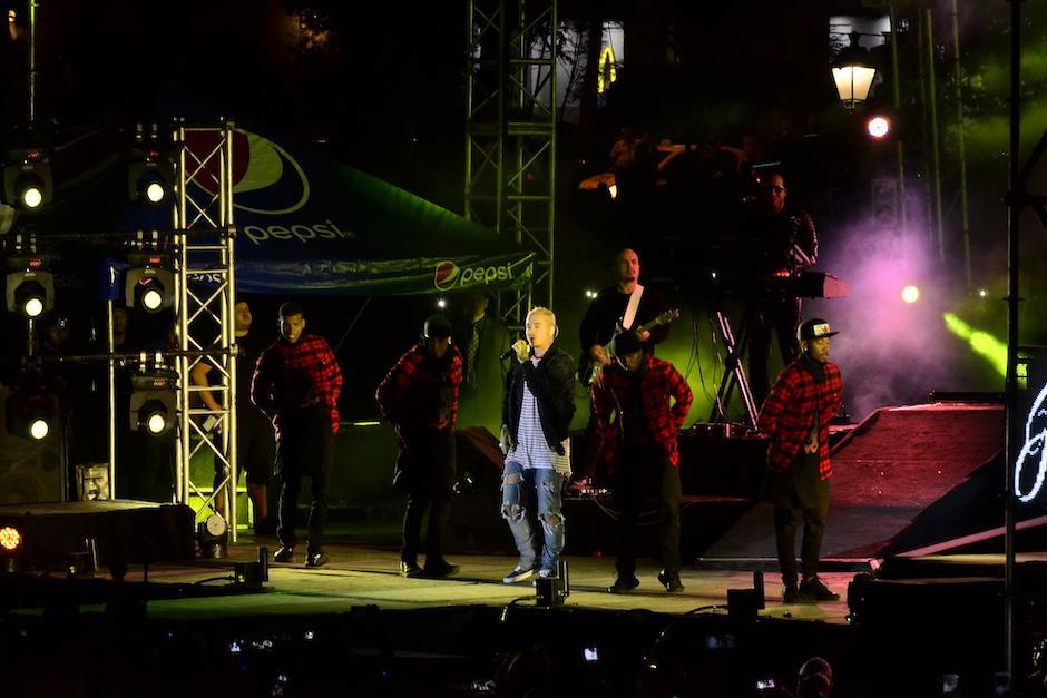 El cantante dijo sentirse agradecido con el recibimiento que le dio el público guatemalteco. (Foto: Stanley Herrarte/Nuestro Diario)