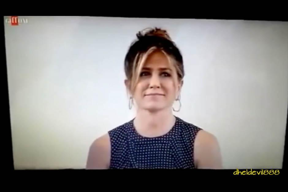 Jennifer asistió a un acto en el que algunos adolescentes pudieron entrevistarla. (Foto: Video)