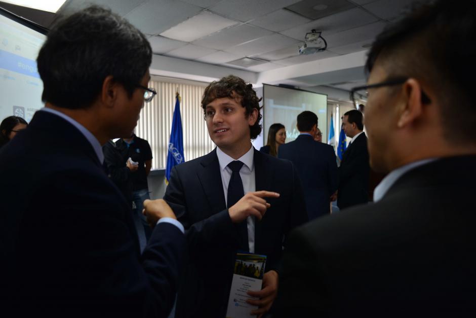 El ingeniero de Samsung Corea, Sergio Flores, regresó a Guatemala después de ocho años fuera. (Foto: Jesús Alfonso/Soy502)