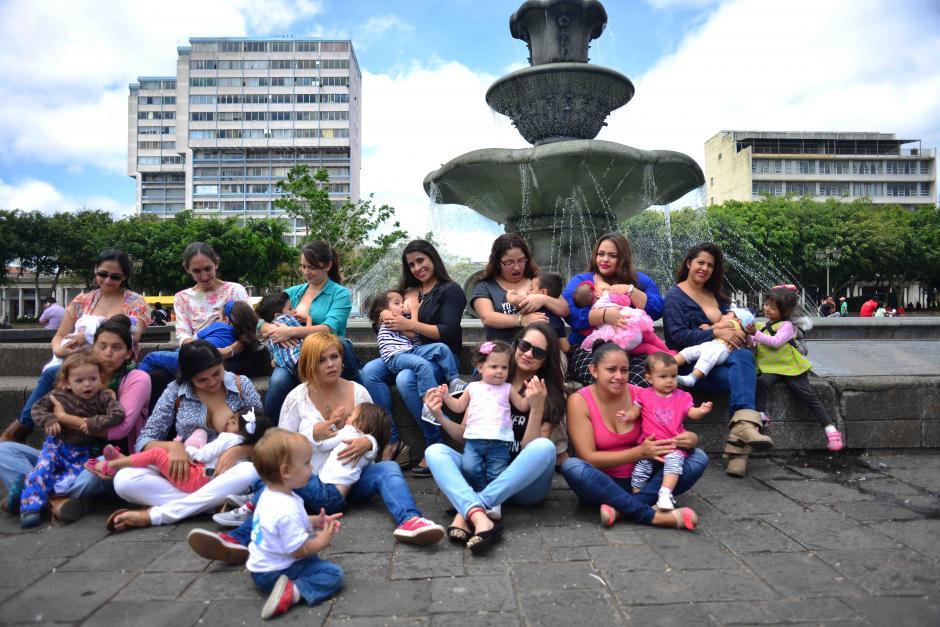 Aproximadamente 15 madres asistieron a la actividad de Pechos Libres. (Foto: Jesús Alfonso/Soy502)