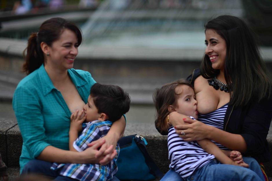 El fin de Pechos Libres es promover la libertad en las madres al momento de amamantar a sus hijos. (Foto: Jesús Alfonso/Soy502)