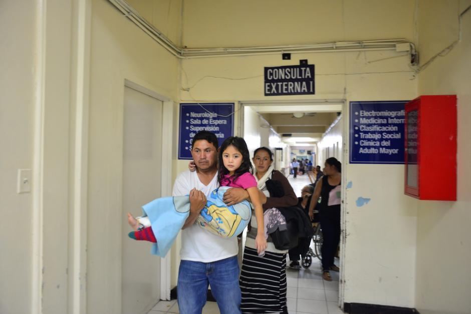 Los médicos señalan que algunos pacientes que vienen del interior del país son atendidos prioritariamente según su historial clínico. (Foto: Jesús Alfonso/Soy502)