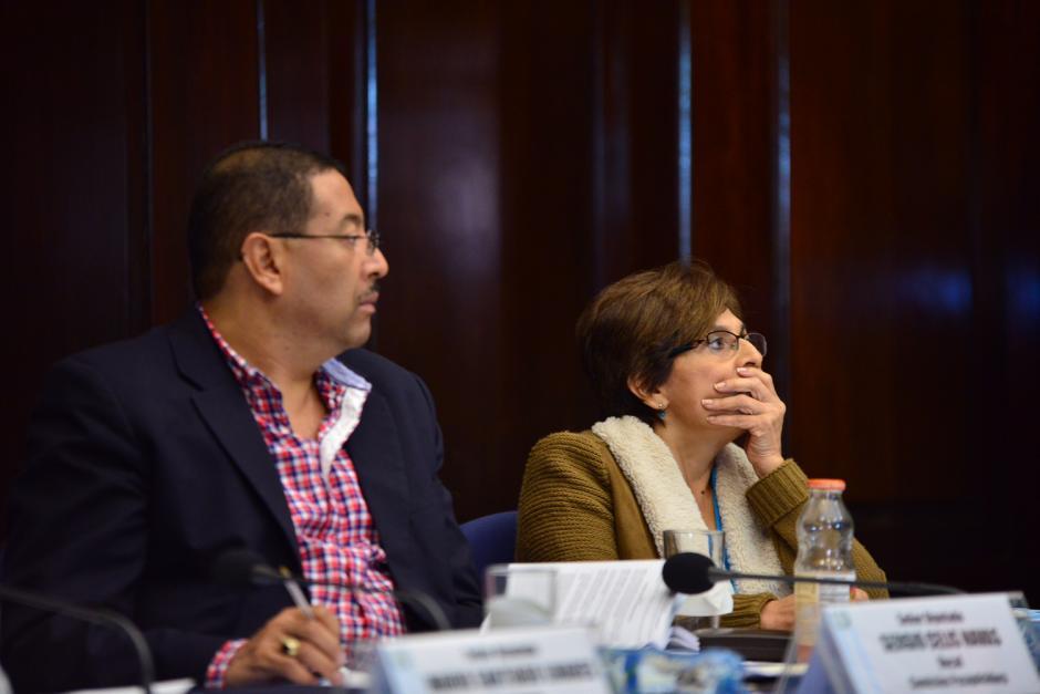 La diputada Nineth Montenegro, se sorprende al escuchar la voz del presidente en una interceptación telefónica. (Foto: Jesús Alfonso/Soy502)