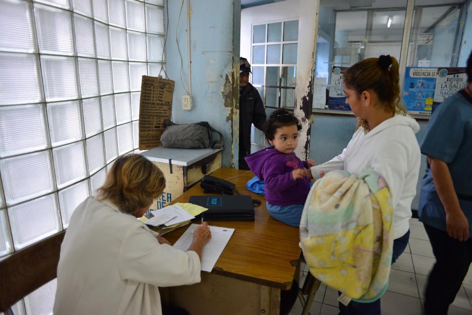Los pacientes tienen que pasar por un estudio de la trabajadora social del nosocomio para poder ser atendidos en un programa vigente del patronato. (Foto: Jesús Alfonso/Soy502)