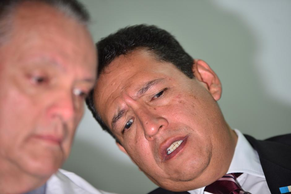 El Ministro de Salud Mariano Rayo estuvo presente en una conferencia de prensa donde explicó que uno de los problemas que se tienen es que algunas casas farmacéuticas no pueden abastecerles tener procesos pendientes que resolver en tribunales como el Caso IGSS. (Foto: Jesús Alfonso/Soy502)