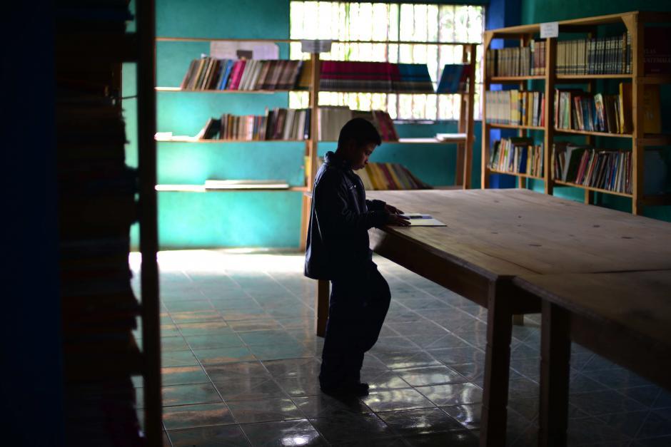 La biblioteca también fue equipada con donaciones. (Foto: Jesús Alfonso/Soy502)