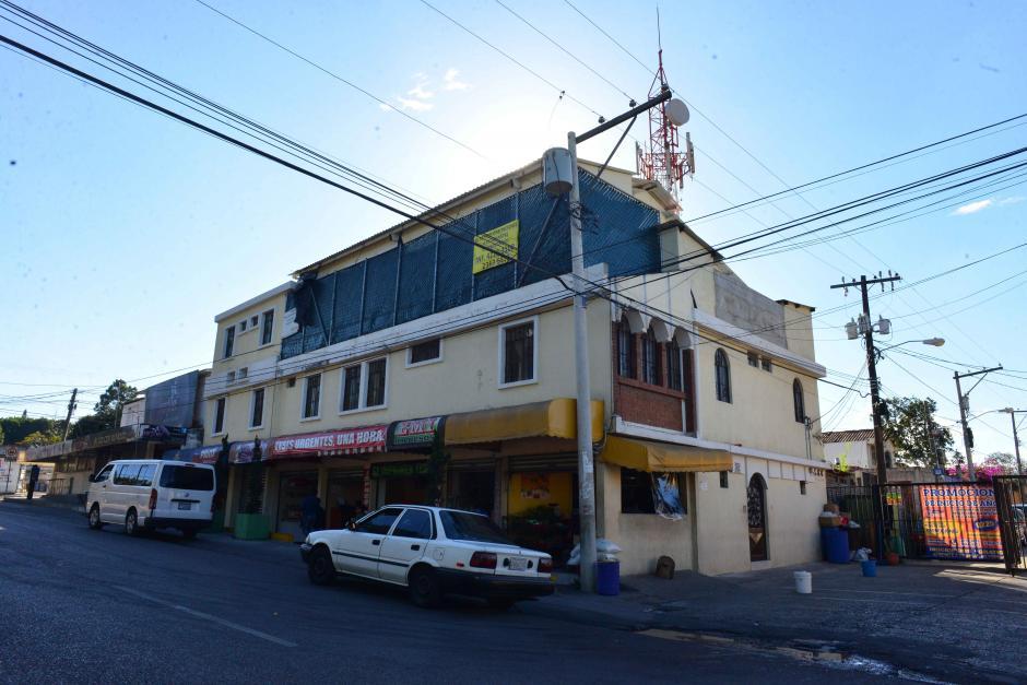 Esta residencia universitaria se encuentra a media cuadra de la Universidad Mariano Gálvez. (Foto: Jesús Alfonso/Soy502