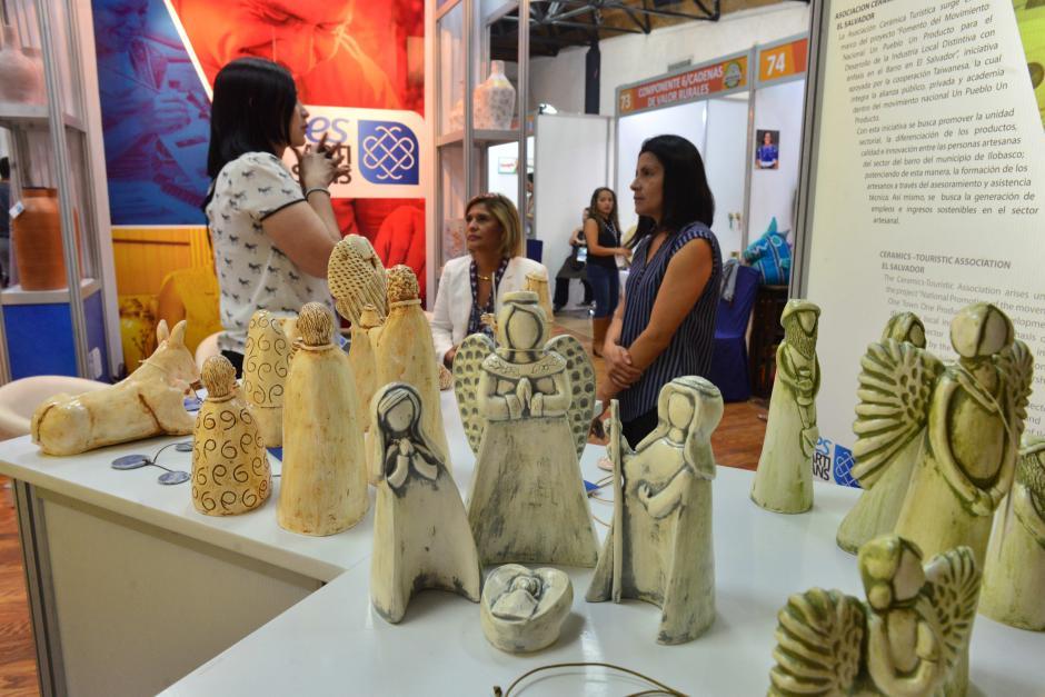En la exposición participan más de 100 expositores. (Foto: Jesús Alfonso/Soy502)