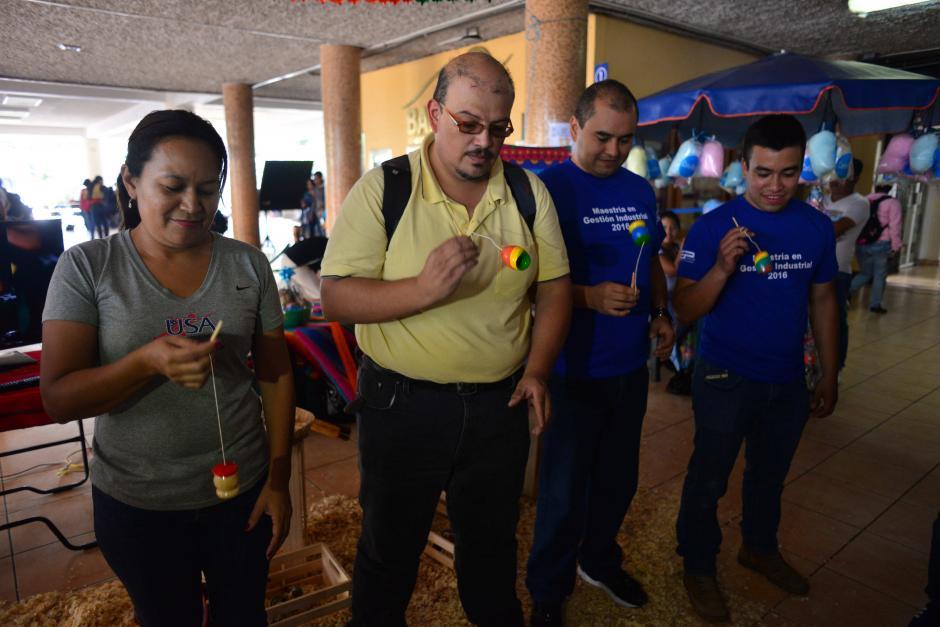 Los asistentes disfrutaron de los juegos tradicionales. (Foto: Jesús Alfonso/Soy502)