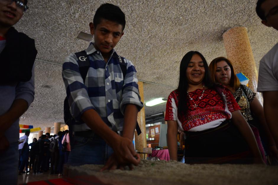 La feria estuvo organizada por la maestría de Gestión Industrial. (Foto: Jesús Alfonso/Soy502)