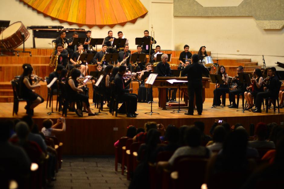 Roberth participó en un concierto junto a la Sinfónica Juvenil plan fin de semana del Conservatorio Nacional de Música. (Foto: Jesús Alfonso/Soy502)
