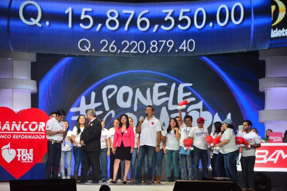 Las instituciones bancarias atendieron el llamado de la Teletón y efectuaron donaciones grandes. (Foto Jesús Alfonso/Soy502)