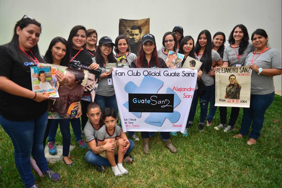El fans club Guate Sanz espera la llegada del artista español Alejandro Sanz. (Foto: Jesús Alfonso/Soy502)