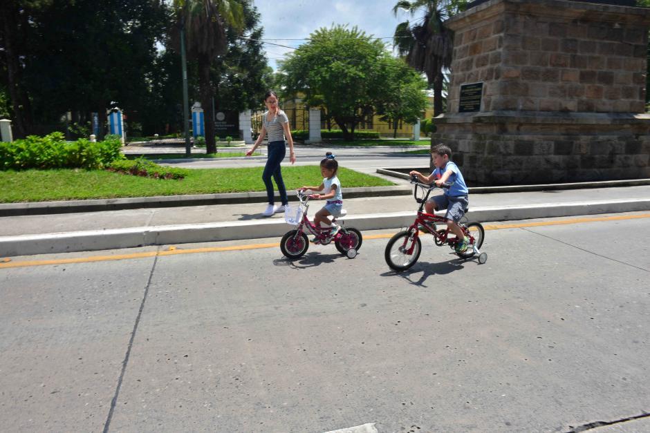 Los más pequeños también disfrutaron de una soleada mañana. (Foto: Jesús Alfonso/Soy502)
