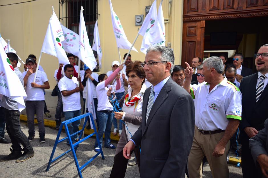 Los simpatizantes no dejaron de celebrar la inscripción de José Ángel López y Pedro Lamport.(Foto: Jesús Alfonso/Soy502)