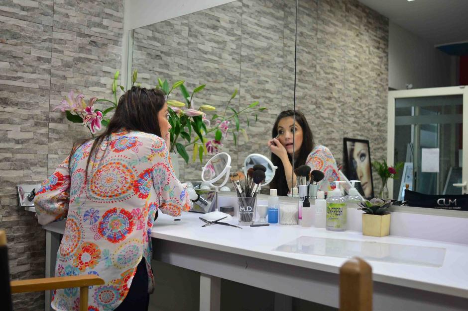 Los secretos de un buen maquillaje te los revelamos aquí. (Foto: Jesús Alfonso/Soy502)