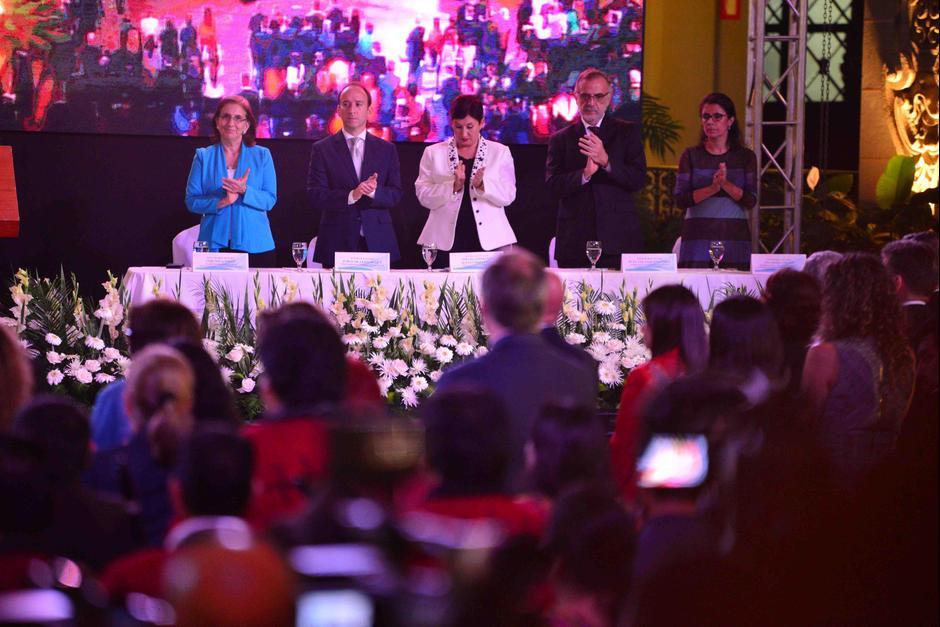 En la actividad también estuvieron presentes representantes de la CICIG, MP, ONU y PDH. (Foto: Jesús Alfonso/Soy502)