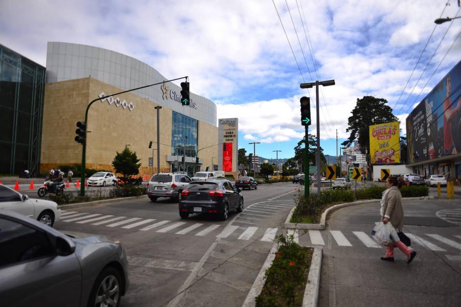 Frente al centro comercial Oakland Mall hay planes de construir uno de estos proyectos. (Foto: Jesús Alfonso/Soy502)