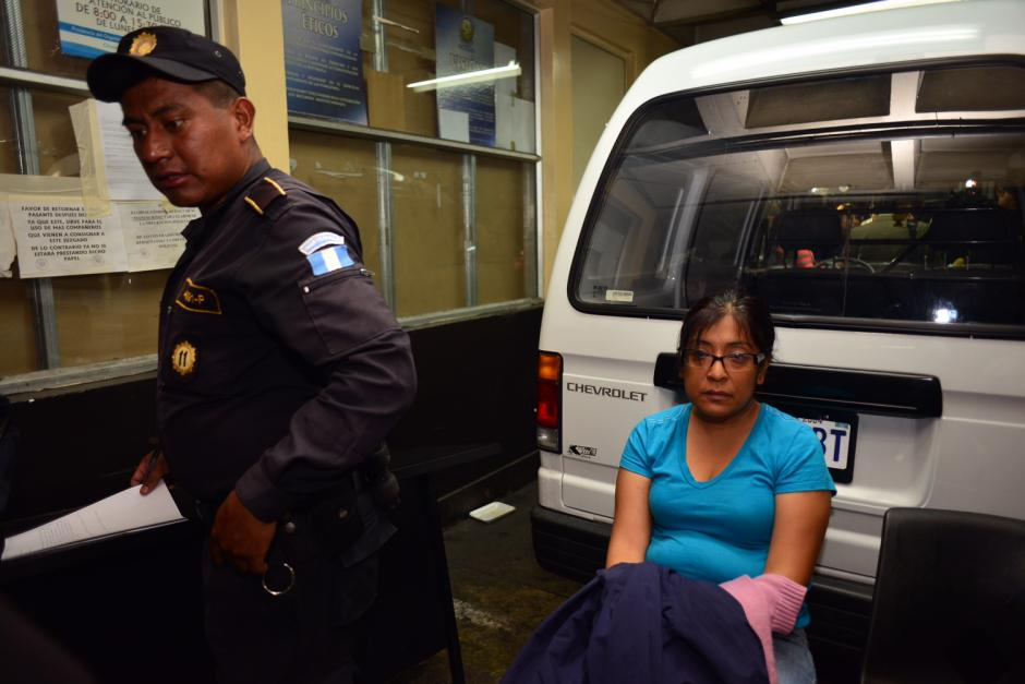 Mayra Patricia Rodas Ruano, detenida en la zona 2, era la encargada de la Unidad de Normas y Procedimientos. (Foto Jesús Alfonso/Soy502)