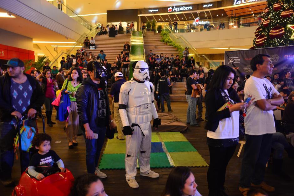 Unas mil personas llegaron a Arkadia Shopping para disfrutar de las actividades gratuitas. (Foto: Jesús Alfonso/Soy502)