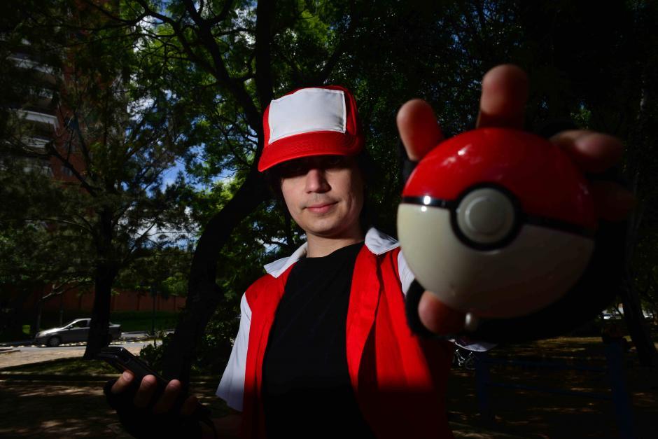 Los guatemaltecos se suman a la fiebre Pokémon. (Foto: Jesús Alfonso/Soy502)