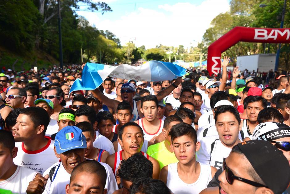Miles de Guatemaltecos participaron en la 58 edición de la última carrera del año, la San Silvestre 2015. (Foto: Jesús Alfonso/Soy502)