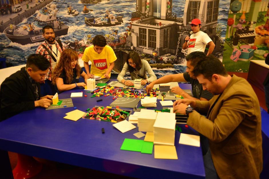 Chicos y grandes pueden visitar la zona LEGO para explotar su imaginación. (Foto: Jesús Alfonso/Soy502)