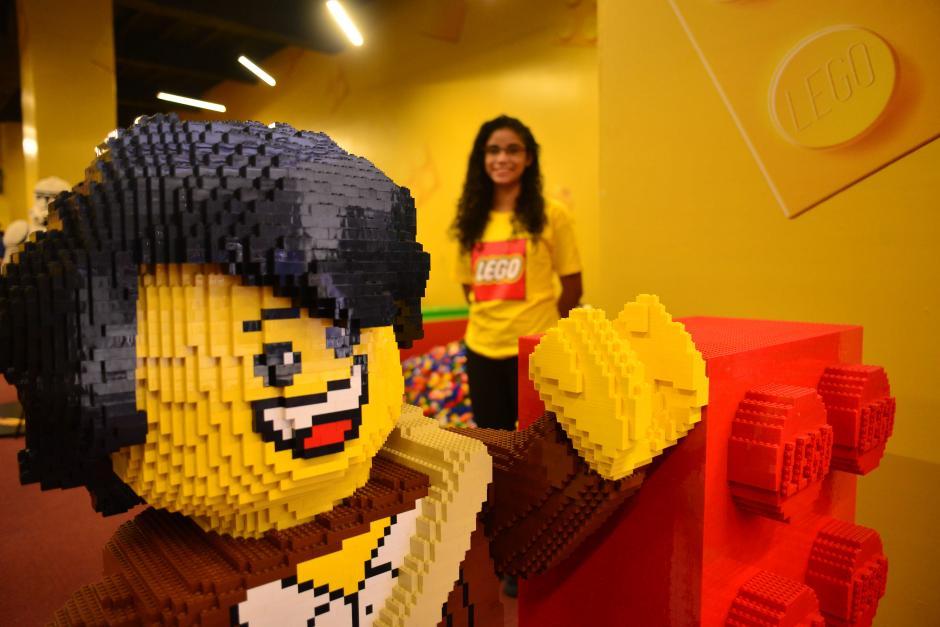 En la zona LEGO hay diferentes estaciones para todos los gustos. (Foto: Jesús Alfonso/Soy502)