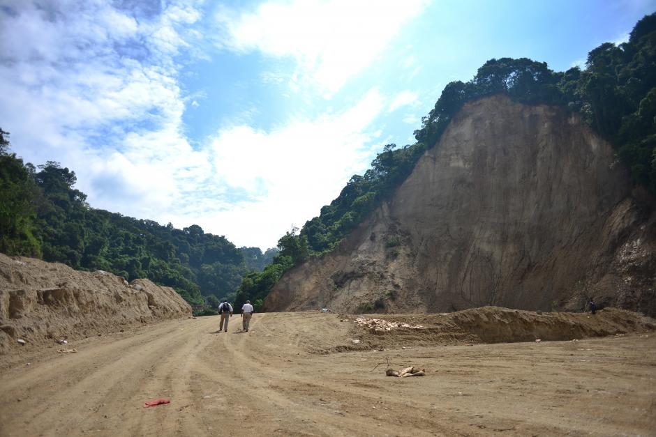 La zona cero quedó aplanada y con una capa de 10 centímetros de cal por medidas sanitarias. (Foto: Jesús Alfonso/Soy502)