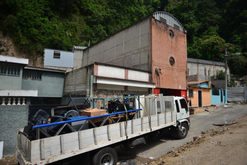 El propietario de la maquila ya pudo sacar sus pertenencias de la fábrica.(Foto: Jesús Alfonso/Soy502)