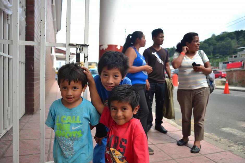 En total 439 afectados y 114 familias conviven desde hace un mes en los cuatro albergues habilitados.(Foto: Jesús Alfonso/Soy502)