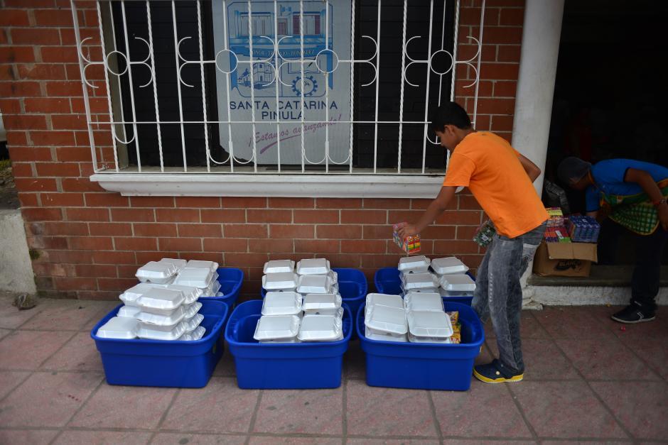 Desde el día de la catástrofe se llevan entregadas más de 109 mil raciones de comida a albergados y voluntarios. (Foto: Jesús Alfonso/Soy502)