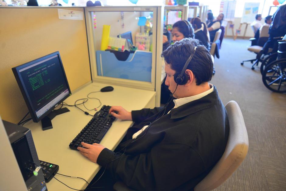 Hay un total de 35 colaboradores con alguna discapacidad trabajando en Bac Credomatic. (Foto: Jesús Alfonso/Soy502)