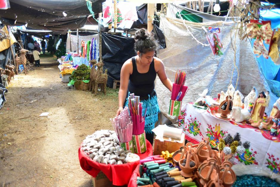 Se venden también inciensos. (Foto: Jesús Alfonso/Soy502)