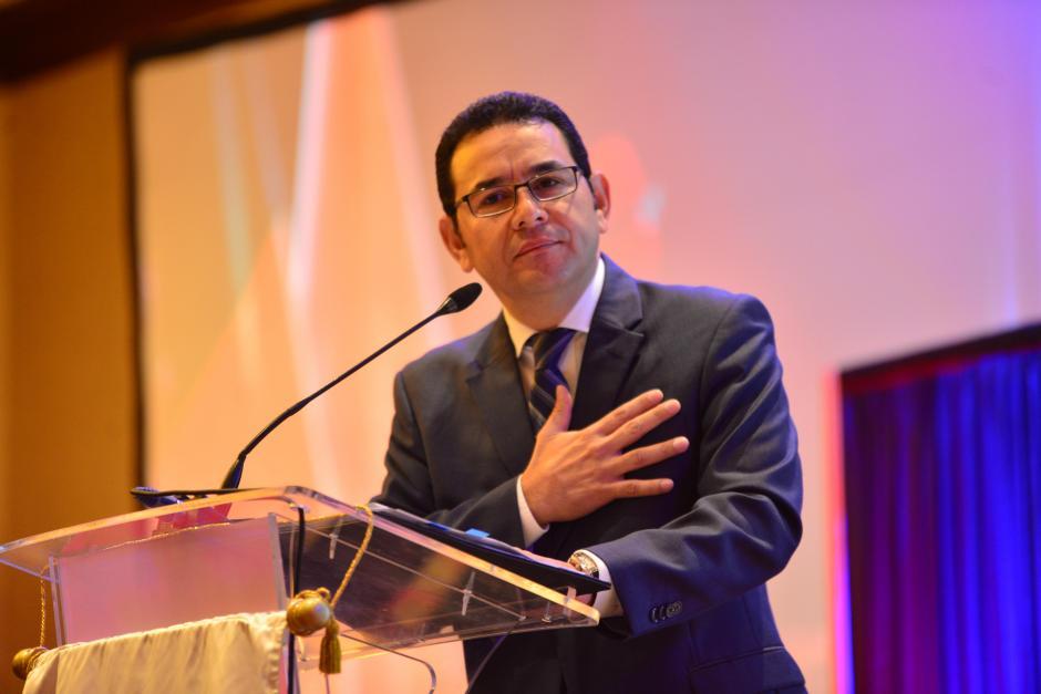 """El presidente se comprometió a hacer la mejor gestión posible pese a tener las arcas vacías. """"No se asusten"""", bromeó Morales. (Foto: Jesús Alfonso/Soy502)"""