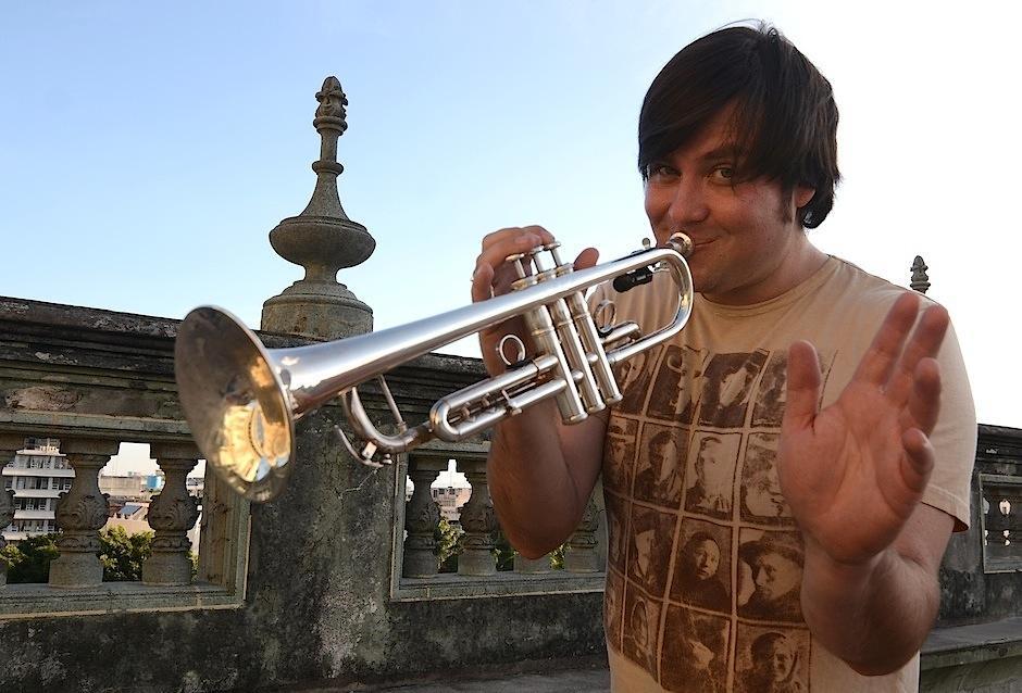Jacobo Nitsch, músico y educador guatemalteco, integrante de Malacates Trébol Shop. (Foto: Selene Mejía/Soy502)