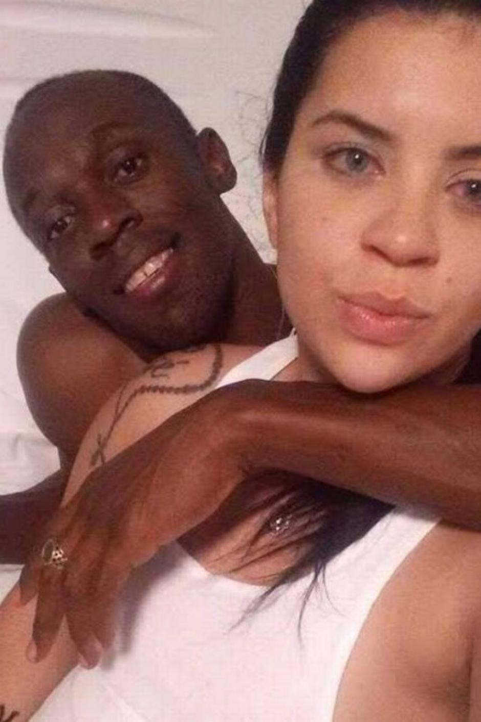 Esta es otra de las fotografías de Jady Duarte y Usain Bolt.  (Foto: www.elbalonrosa.com)