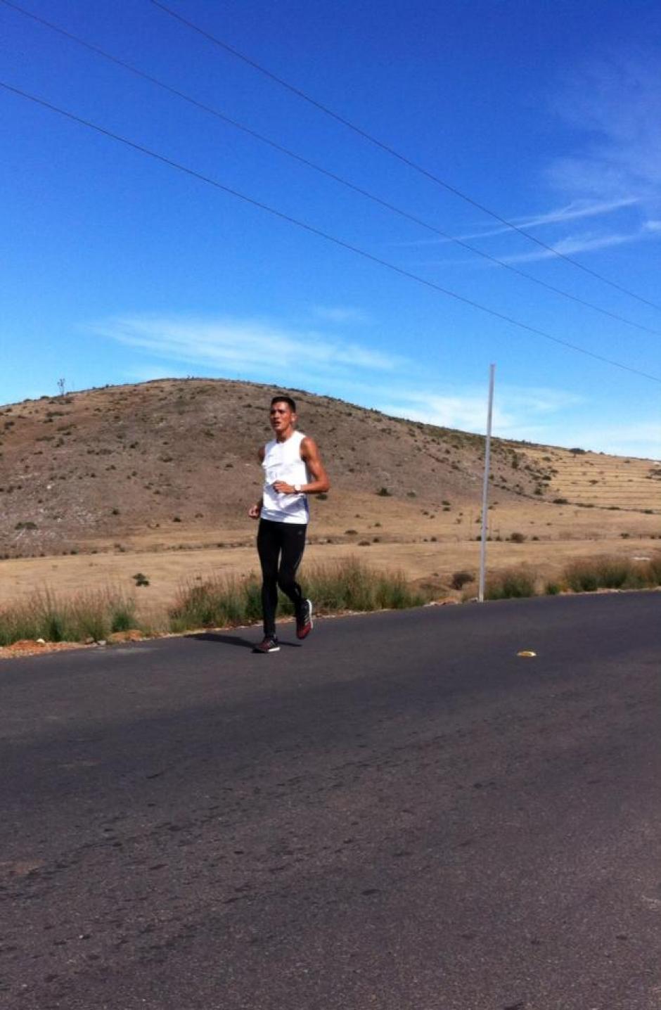 Jaime Quiyuch está clasificado en la prueba de 50 kilómetros de los Juegos Olímpicos de Río 2016. (Foto: Cortesía de Julio Urías)