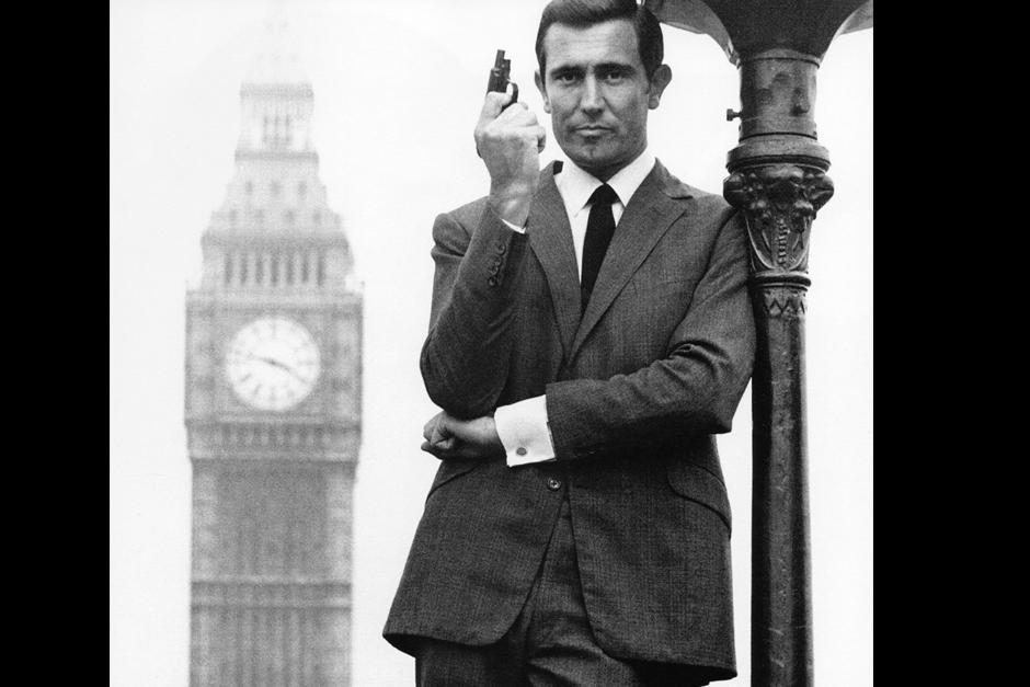 George Robert Lazenby interpretó a James Bond en la película On Her Majesty's Secret Service del año 1969.