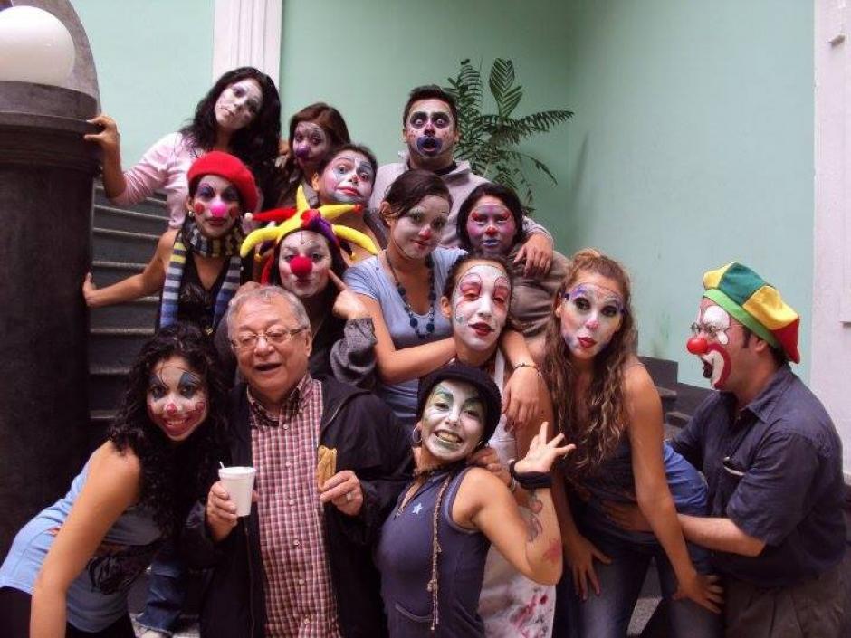 Pacheco era muy querido por sus alumnos de teatro. (Foto: Facebook)