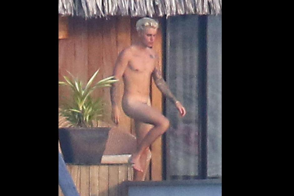 Tras la difusión de las fotos de Justin Bieber desnudo, sus fans no demoraron en pedir que se respete su privacidad.