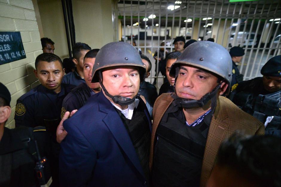 """Salvador González """"Eco"""" utiliza un chaleco antibalas y un casco para sus traslados fuera de prisión. (Foto: Wilder López/soy502)"""