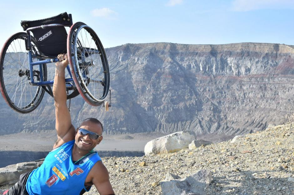 JC Pérez luce satisfecho tras conquistar la cima del volcán. (Foto: Cortesía de JC Pérez)